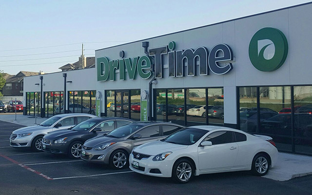 NW FREEWAY DriveTime Dealership