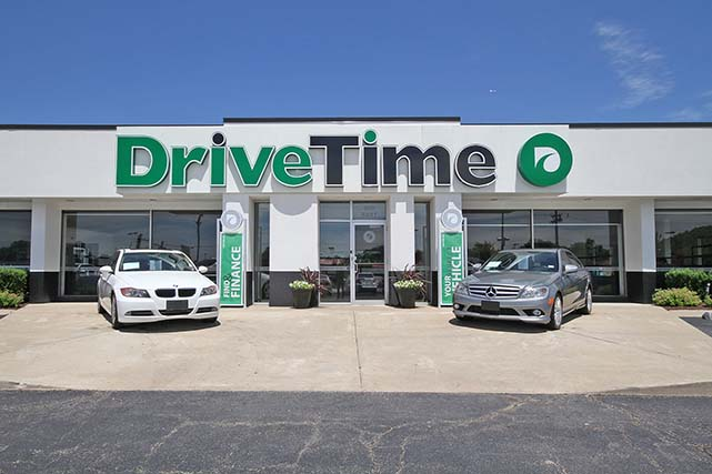LOMBARD DriveTime Dealership